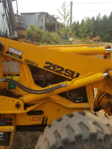 JCB 4X4X4 212SU Loader with forks and 4in1 bucket