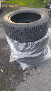 4 used Michelin X-ice winter tires (215-55/17)