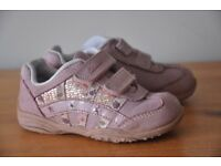 Clarks Light up 4F girls toddler trainers