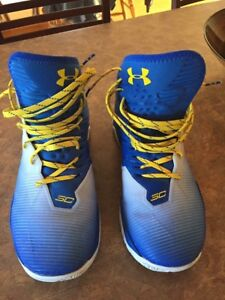 Curry 2.5 basketball shoes.