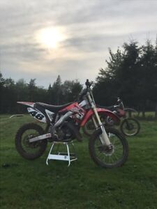 Looking for 2005 Cr125 aftermarket pipe
