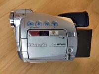 Canon MV600i video camera with all accessories and storage box
