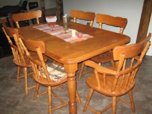 Maple Dining Table & Chairs (6)