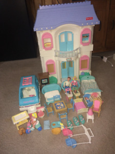 Fisher price doll house dollhouse 4618 with accessories