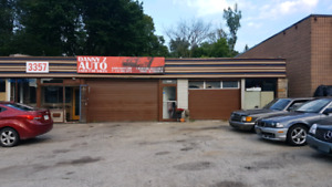 One bay garage for mechanic, tire, muffler or detailing shop.