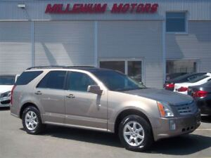 2008 Cadillac SRX V6 AWD / NAVI / LEATHER / SUNROOF / 7-PASS