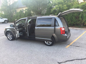 2010 Dodge Grand Caravan 4995$ Safety E-tested