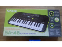 SA-46 Electronic Mini Keyboard Lime Green. Perfect for little beginners/for travel. V.Good Condition