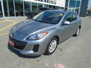 2013 Mazda Mazda3 SKYACTIV!**HEATED SEATS & CRUISE!** GS