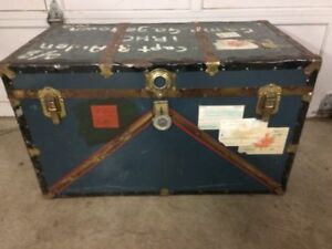 Beautiful Antique Christie Army Steamer Travel Trunk ~L@@K~