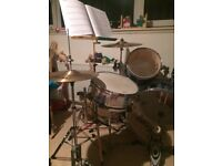 Full drum kit in blue. For beginners or advanced drummers