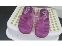 Girls juju purple sandals size 11