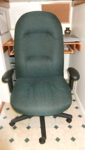 newer large office chair in exc cond, has a durable style fabric