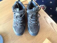 REDUCED: Walking boots, size 7, less than 20 miles wear