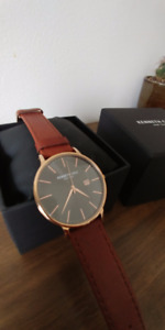 Near-Mint Kenneth Cole Brown Leather, Gold-plated watch