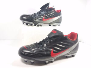 Leather-Nike-football boots Black And Red Size 10