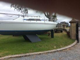 Hunter 23 ft sailing boat