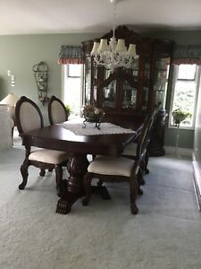 Gorgeous dining room suite