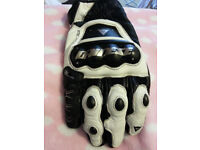 Dainese D-tec gloves. Size XL, new condition