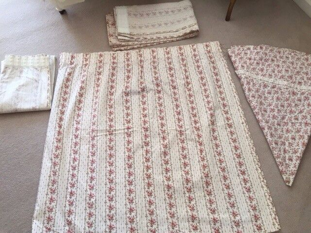 Three Pairs of Curtains (L44xW90 inches; and 2 pairs L44x22 inches) and some coordinating fabric
