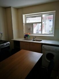 Large double bedroom in shared flat