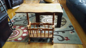 Nice Wooden End Table - Has Magazine Rack