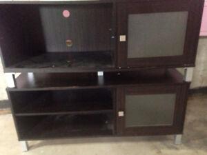 2 meubles de télévison
