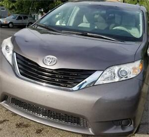 2012 Toyota Sienna LE 2 YEARS WARRANTY ACCIDENT FREE
