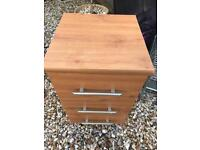 Small chest of drawers FREE