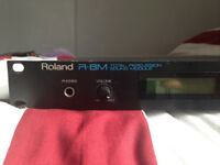Roland R8-M Rackmount Drum Machine with 5 ROM Cards