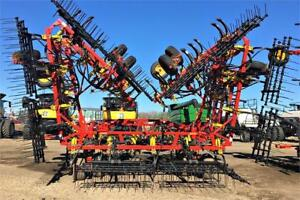2014 BOURGAULT 8910 FIELD CULTIVATOR
