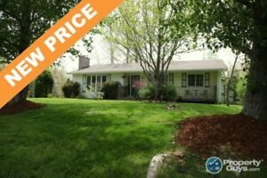 NEW PRICE!  Well maintained 3 bed/3 bath bungalow on corner lot!