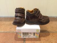 Boys Shoes - Clarks - Brown Leather Formal - size 7 H