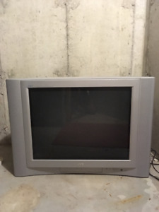 32 inch JVC Tube T.V. in Excellent Condition!