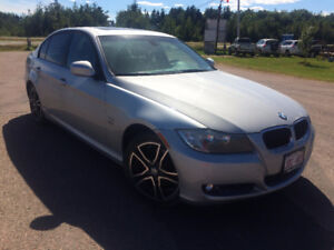 2011 BMW 3-Series 323 i only 78,069 km !!!!