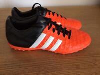 Adidas size 7 Astro trainers