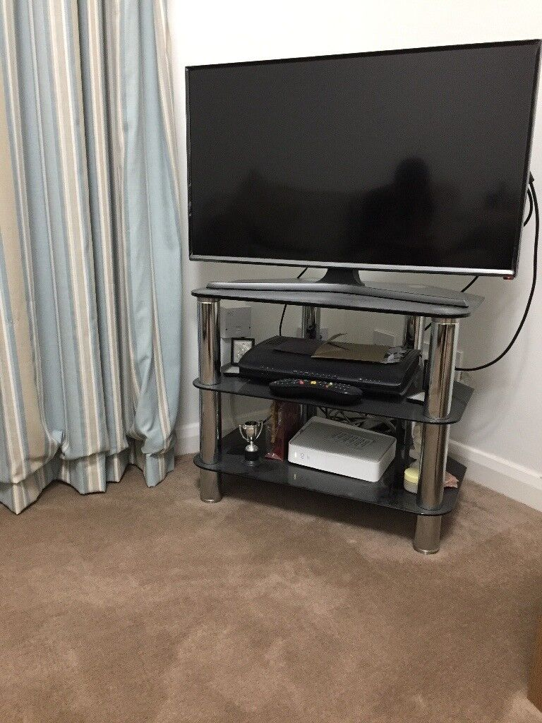 TV stand in Reading - excellent condition