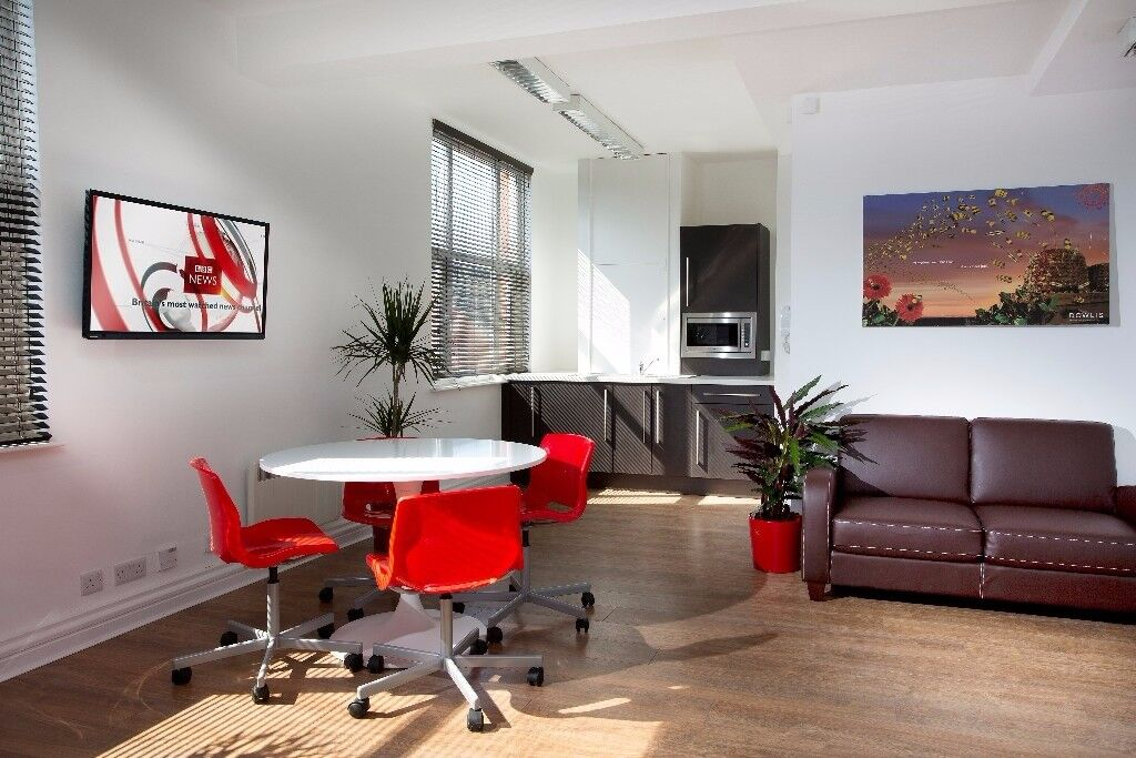 Stunning self contained office