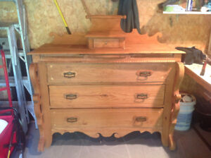 Commode antique 3 tiroirs