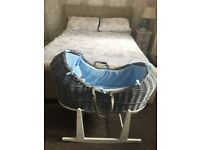 Moses basket with stand only 6 weeks old exercerlent condition.