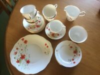 Vintage colclough china tea set - poppy design