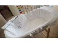 Kinder valley moses basket with stand used for 2 weeks! New matress still in packaging!