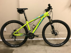 2015 Specialized 27.5 XC MTB with air fork and dropper post