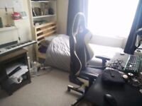 1 Double Room to rent in a 3 Bedroom house on Belgrave Street, Brighton.
