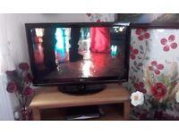 LG 42 INCH FLAT SCREEN HD TV