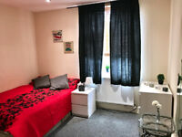 Self-contained studio to let for £105pw most bulls inclusive of rent