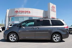 2012 Toyota Sienna LE 8 PASS. - DVD