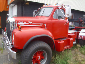 1965 MACK B61, INSPECT IN QUEBEC BY THE SAAQ