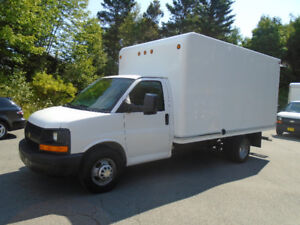 2010 Chevrolet Express 14 FOOT CUBE VAN