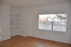 Inner City - Main Level 3 Bedroom Near SAIT in Capitol Hill NW